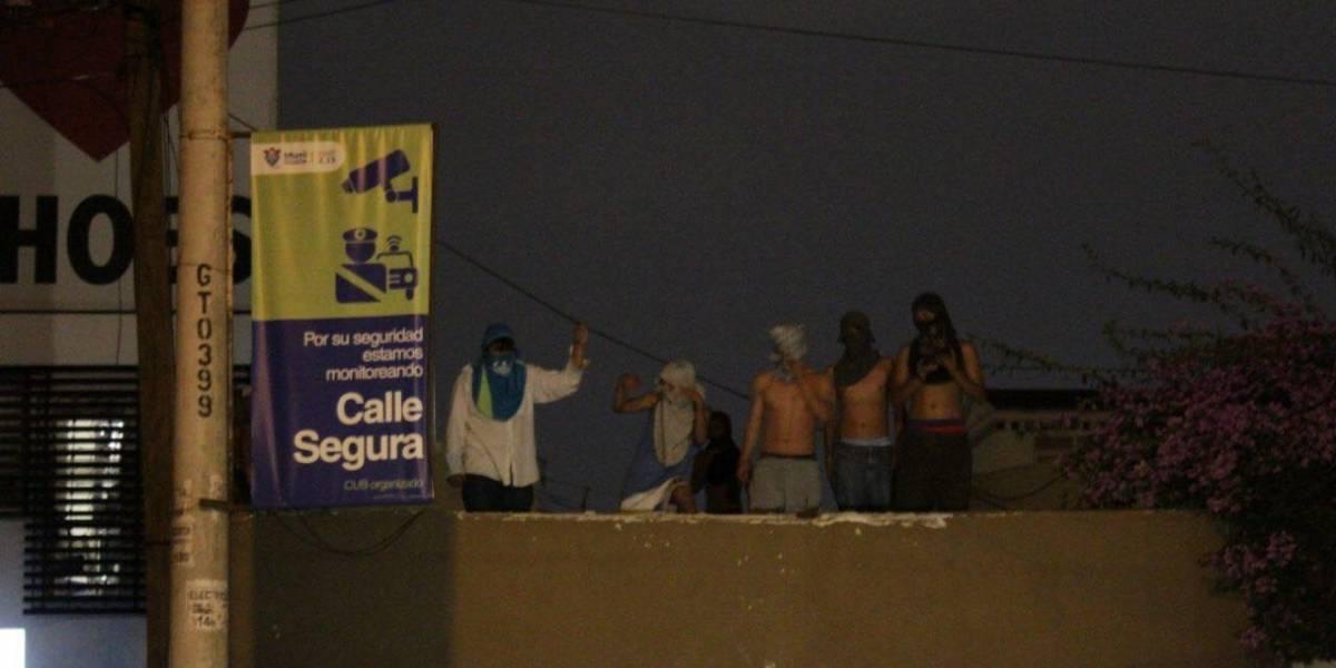 VIDEO. Internos de hogar en zona 15 trepan las paredes y denuncian abusos