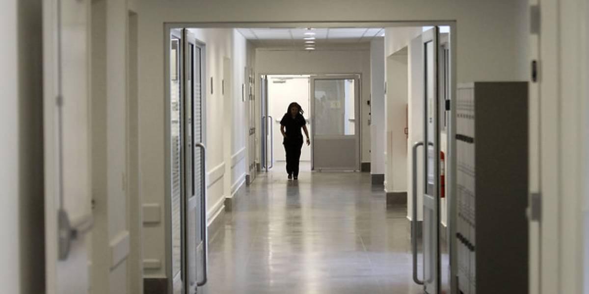 Familia exige investigación: mujer muere tras cesárea y su bebé resulta con corte en su rostro con bisturí
