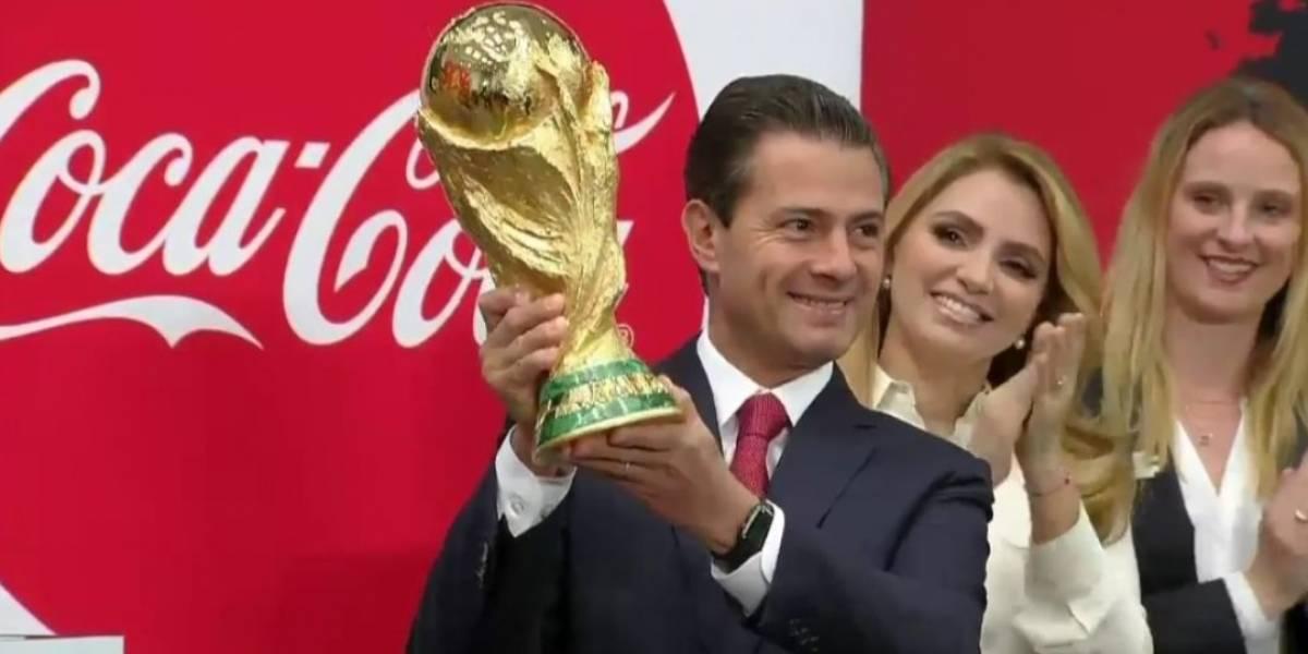 EPN pide al Tri regresar a México el trofeo del Mundial como campeón