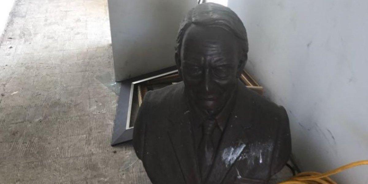 Denuncian remoción de busto de Luis A. Ferré en Alcaldía de Loíza