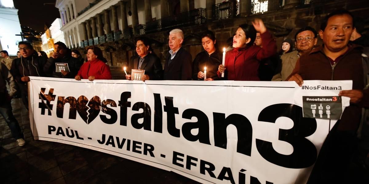 Quito: Otro día de vigilia por el equipo periodístico de El Comercio secuestrado