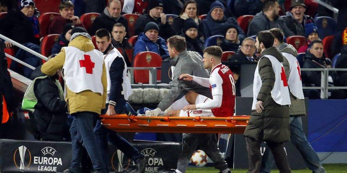 Ramsey rescató al Arsenal con una herida engrapada
