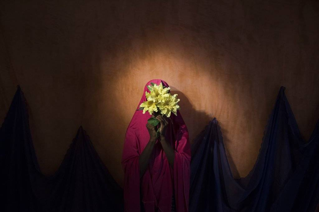 """Boko Haram Strapped Suicide Bombs to Them. Somehow These Teenage Girls Survived."" de Adam Ferguson, ganadora en la categoría People stories. Crédito: Adam Ferguson for The New York Times, World Press Photo via AP"