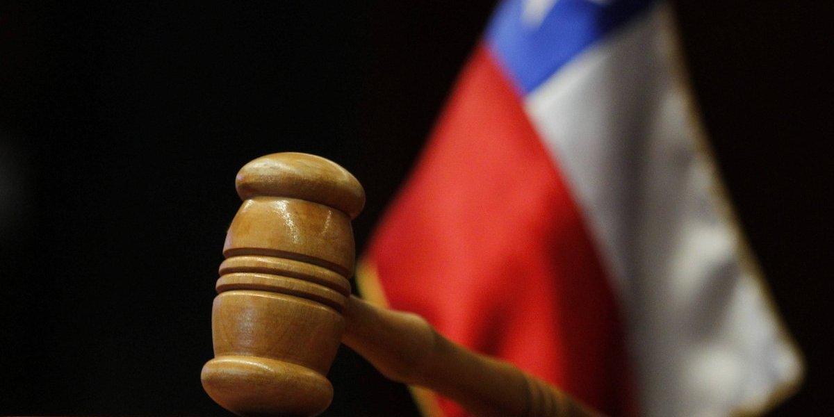 Condenan a presidio perpetuo a hombre que asesinó a su pareja en presencia de su hijo de 9 meses