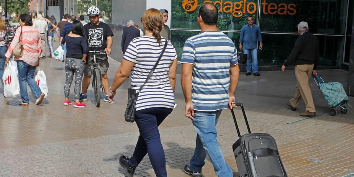 Compras de argentinos con tarjeta de crédito se desploma casi 30% en el primer trimestre