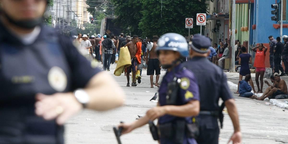 Comércio reabre e usuários retornam após noite de confrontos na Cracolândia