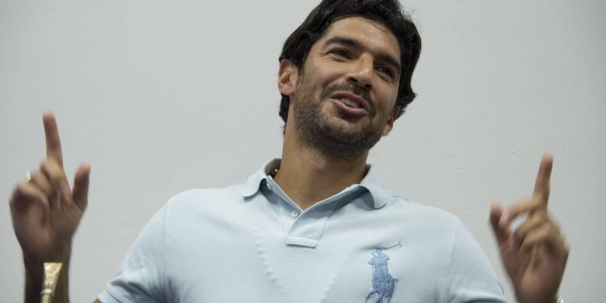 VIDEO. El 'Loco' Abreu recibe premio Guinness por sumar 26 clubes en su trayectoria