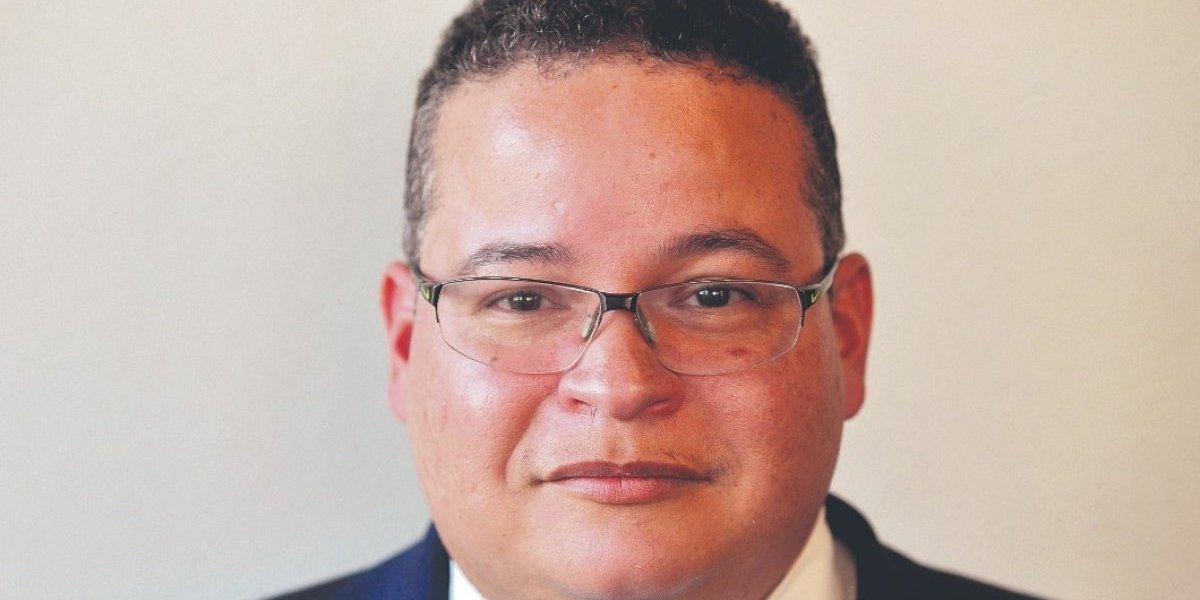 Reeligen a Víctor Ramos como presidente del Colegio de Médicos Cirujanos