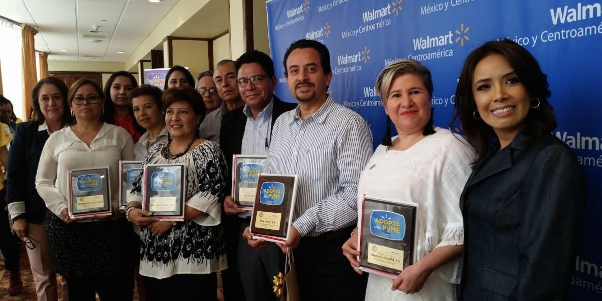 Pequeños y medianos empresarios de Adopta una pyme, de Walmart, fueron premiados