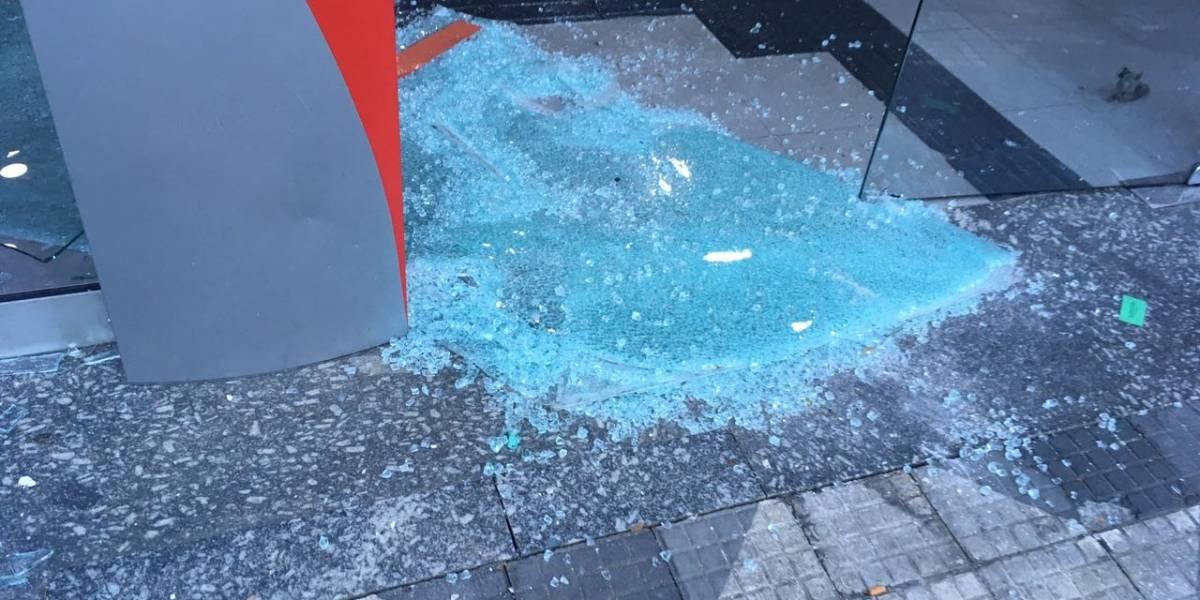 Comércio na região da Cracolândia é alvo de vandalismo e saques