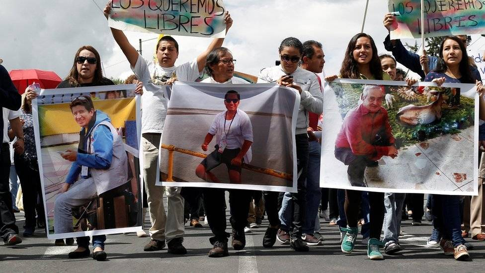 Decretan duelo nacional por el asesinato de periodistas y militares