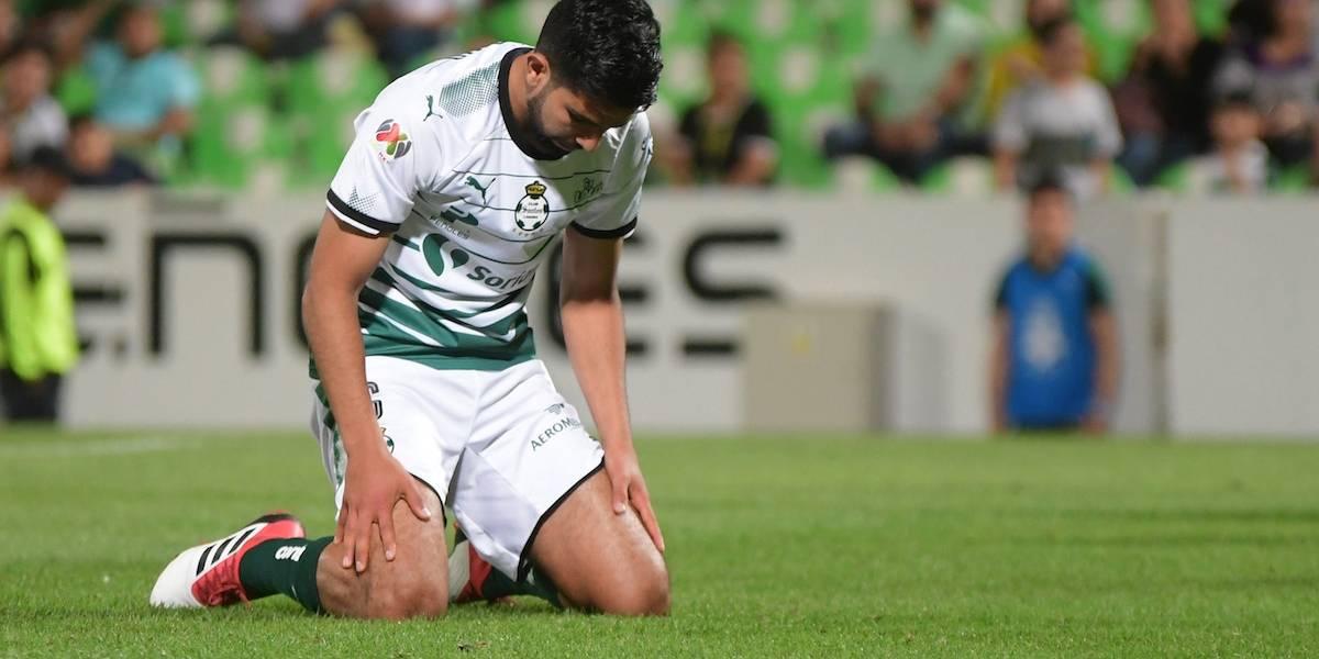 Mediocampista de Santos Diego de Buen sufre parálisis facial