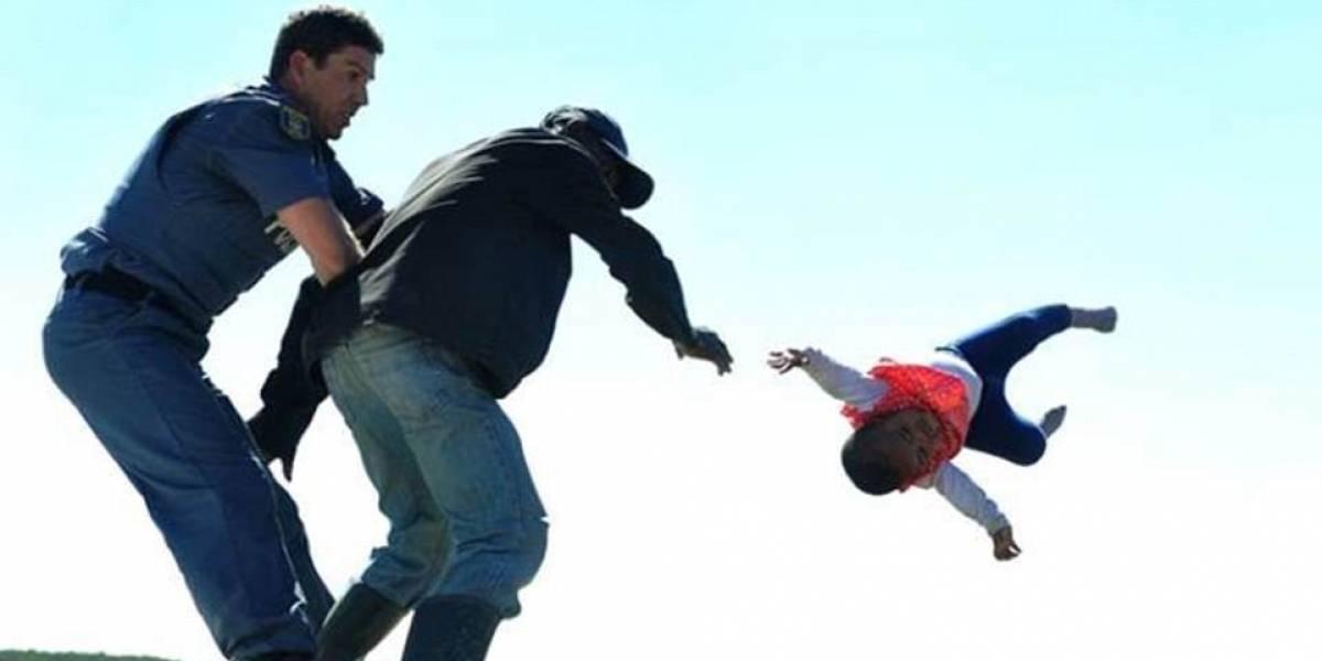 Terribles imágenes: el horrible instante en que padre lanza a su bebé de 6 meses desde el techo de su casa