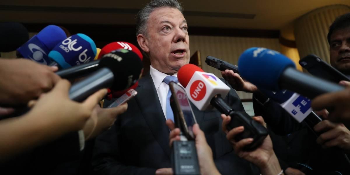 """Santos califica asesinatos de """"crimen atroz"""" y promete colaboración a Ecuador"""