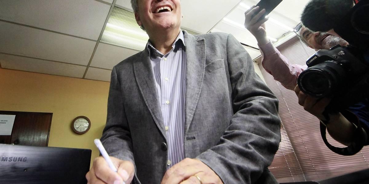 """Nicolás Larraín debuta con un """"stand down comedy"""""""