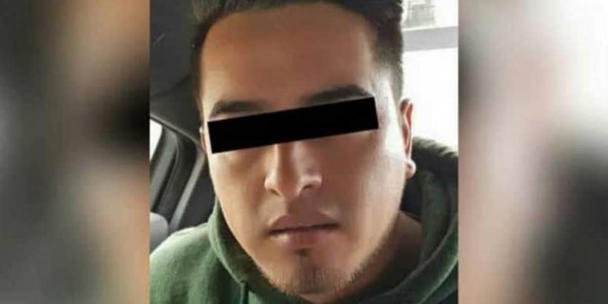 Joven iba tramitar su visa y lo detienen por asesinato