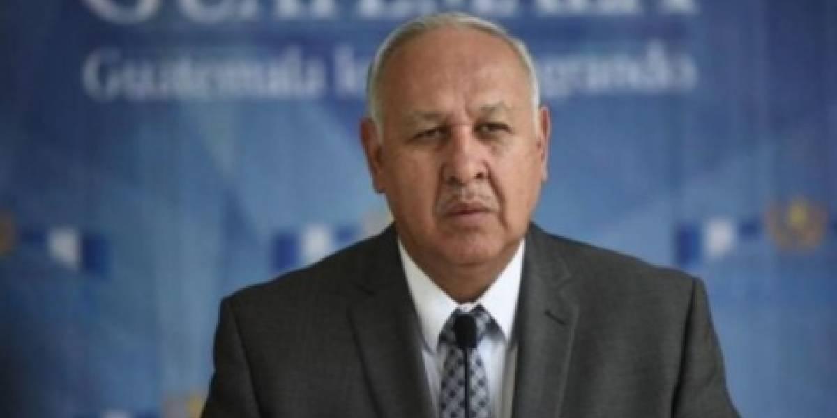 Ministro de Comunicación revela lo que lo orilló a renunciar