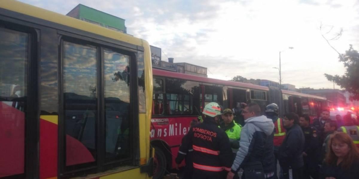 Este es el momento del accidente entre dos buses de TransMilenio que dejó 26 heridos