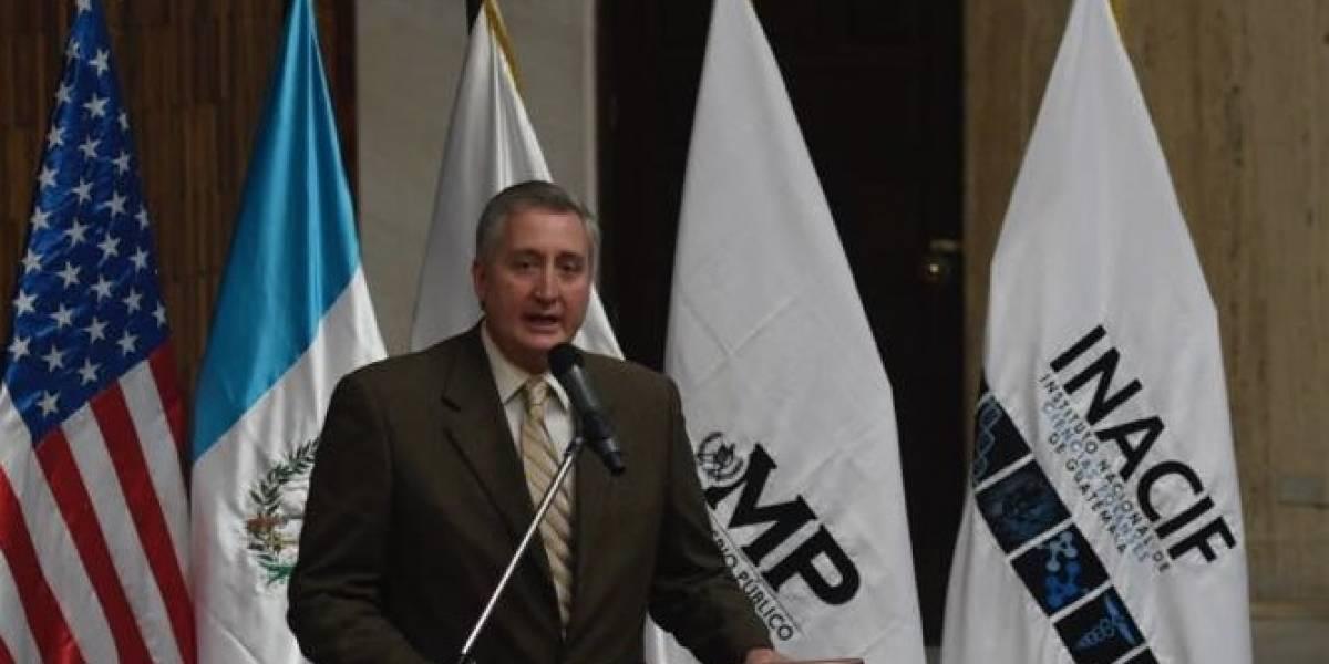 Ministro de Gobernación pide no generalizar a la PNC por fuga de información