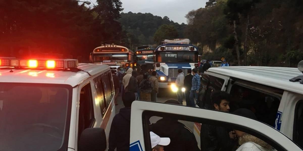Accidente de tres autobuses dejan más de 10 heridos