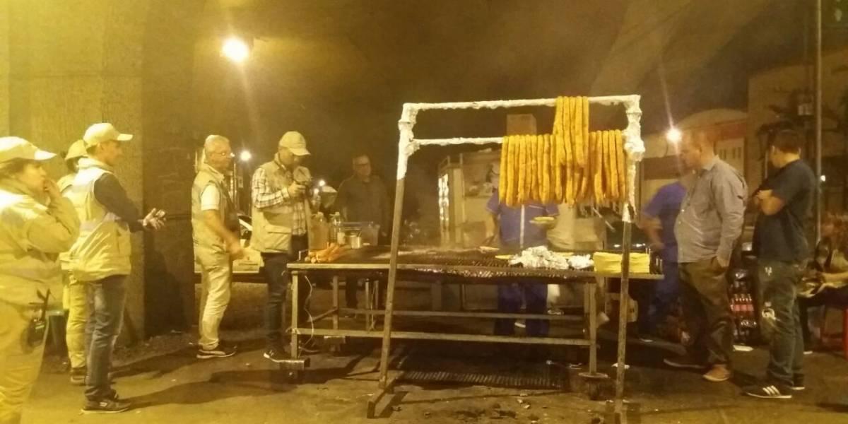 Cierran puesto de carnes que funcionaba debajo del puente de la 10 con Guayabal