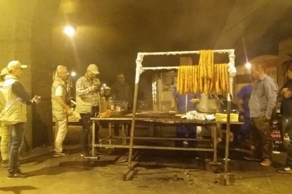Puestos callejeros de carne Medellín