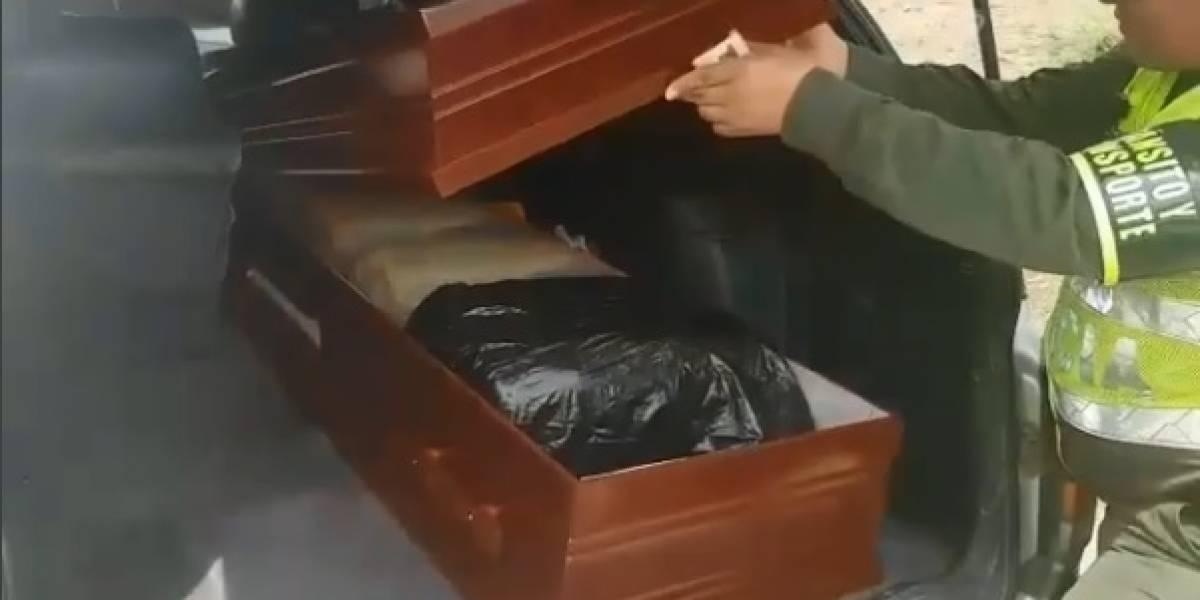 En video: Detienen a carro funerario con un ataúd destinado al tráfico de gasolina