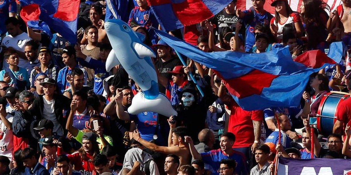 El Banderazo de la U tuvo constantes burlas a Colo Colo, terminó con descontrol y un gran gesto de Monzón