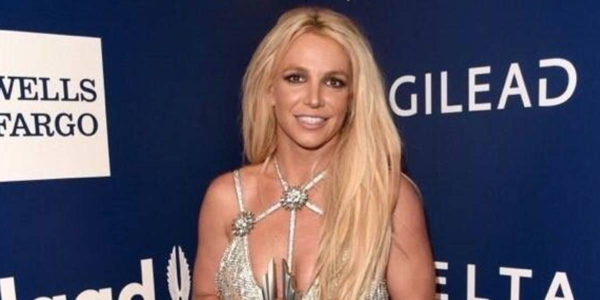 Feliz Britney Spears con su nueva sobrina