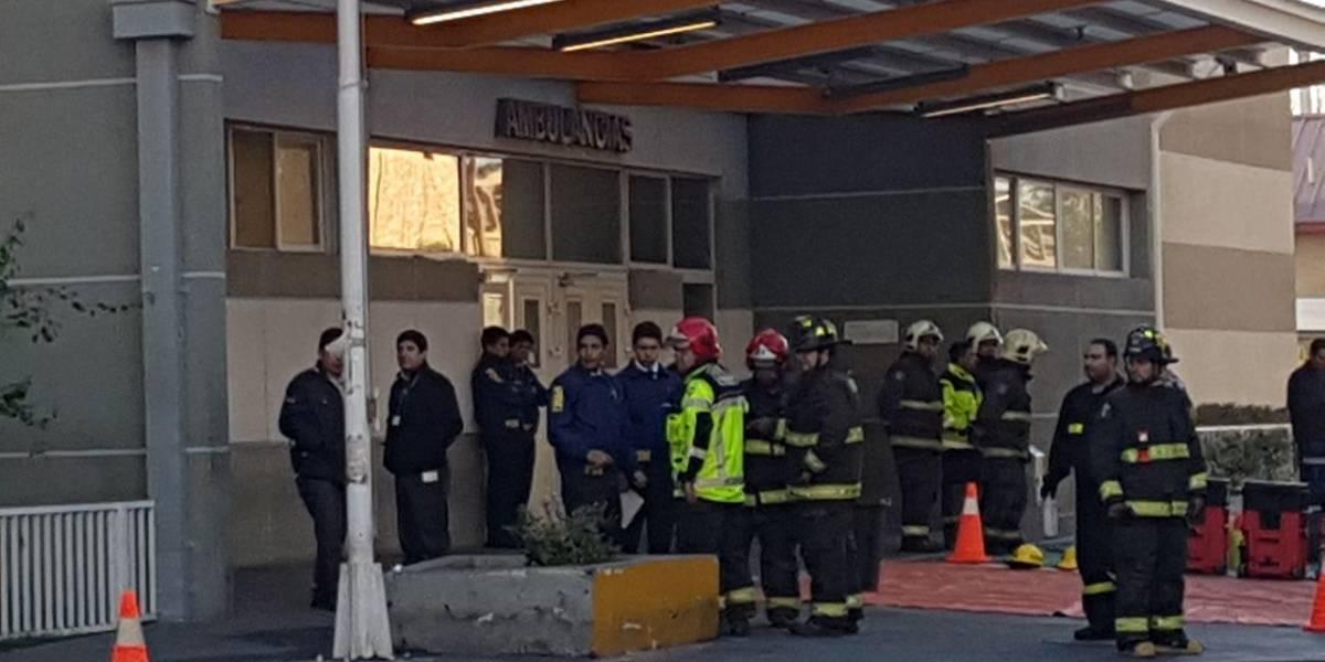 Evacuan urgencia del Hospital Barros Luco por presencia de cianuro