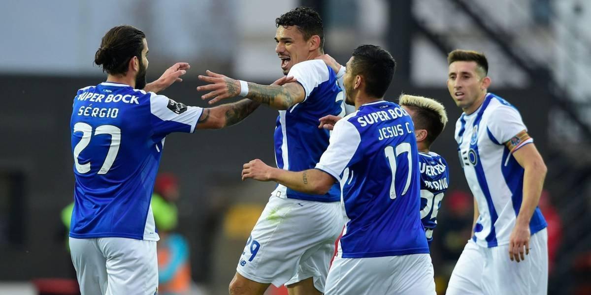 Agónico triunfo del Porto sobre Benfica con gol de Herrera