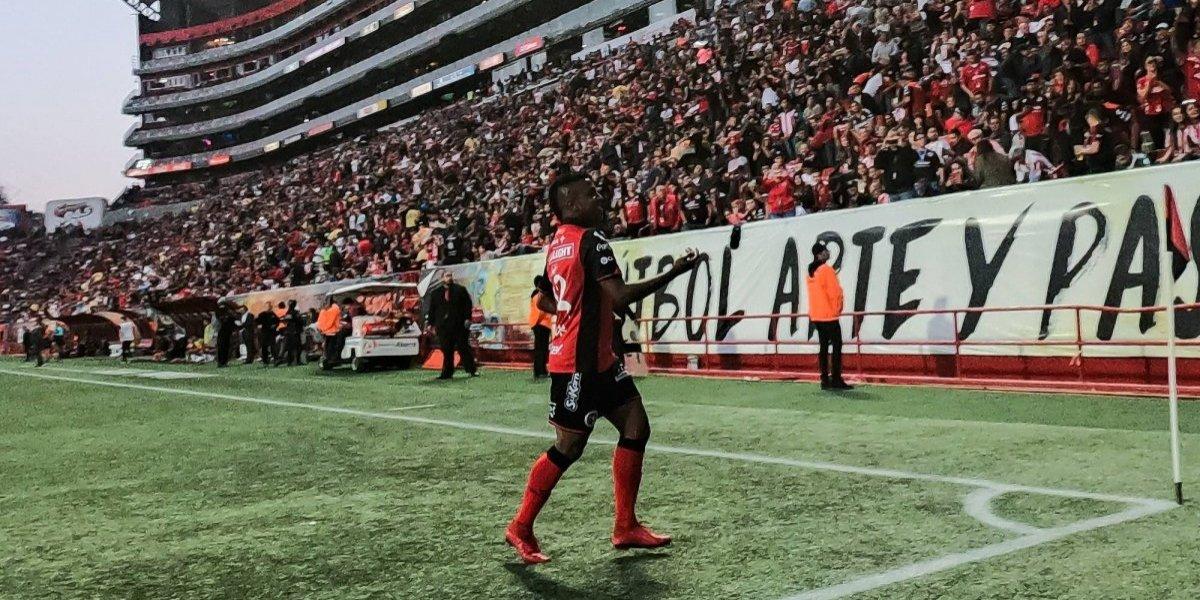 Miller Bolaños y Tijuana derrotan a Chivas y prácticamente están descalificados