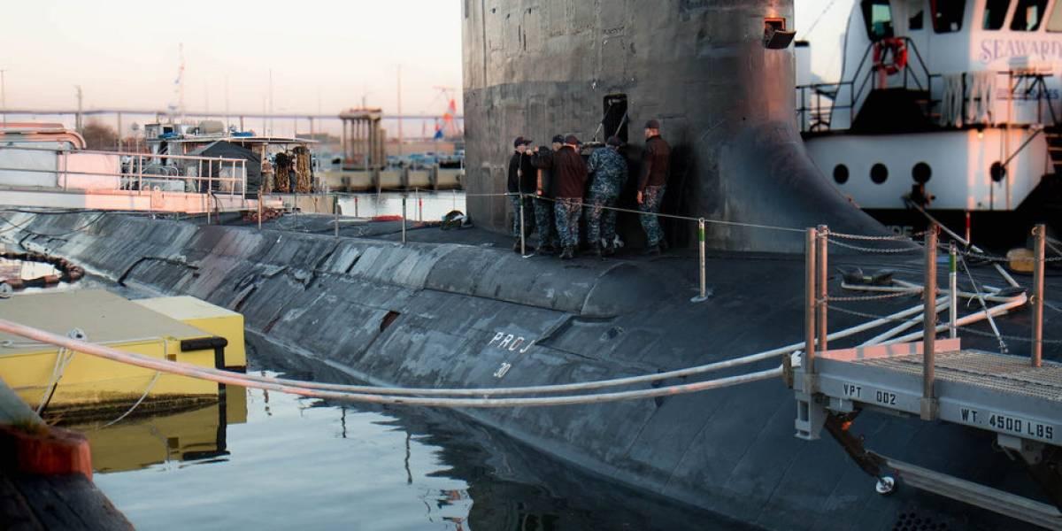 Fotos desde adentro de uno de los submarinos que bombardeó Siria