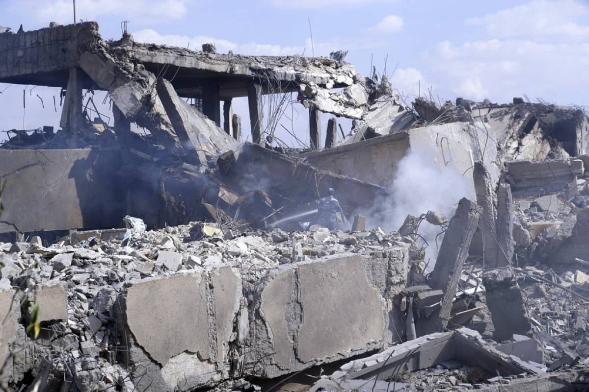 Reino Unido avala usar la fuerza para evitar muertes civiles