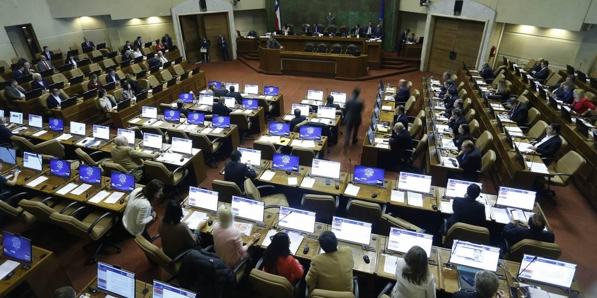 Diputados UDI y RN presentarán proyectos para reelección presidencial inmediata y disminuir el número de parlamentarios