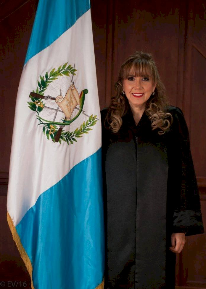 magistrada de la CC Dina Ochoa
