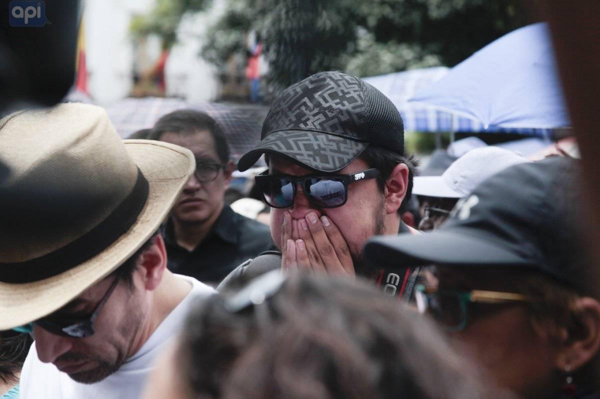 Momentos en el que equipo de El Comercio recibe la fatal noticia por parte de Lenín Moreno en la Plaza Grande API