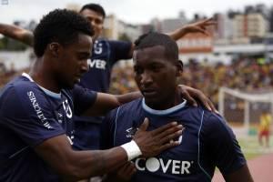 Universidad Católica ganó 2 - 0 a Aucas