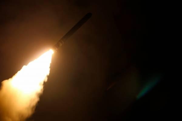 Un misil lanzado el 14 de abril en Siria