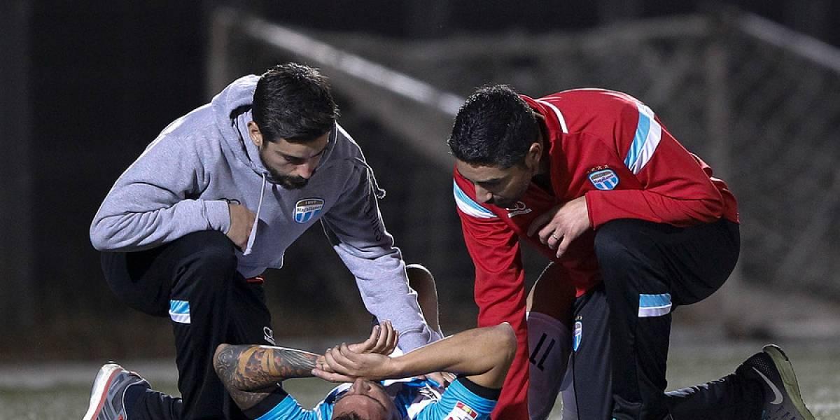 Mark González apenas duró seis minutos en cancha tras lesionarse en empate de Magallanes frente a Barnechea