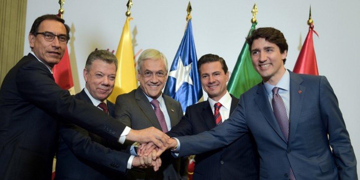 Peña Nieto y Pence acuerdan acelerar trabajos en renegociación del TLCAN