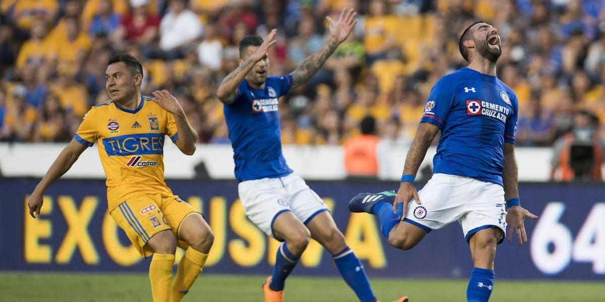 Cruz Azul rescata empate ante el campeón pero se despide del torneo
