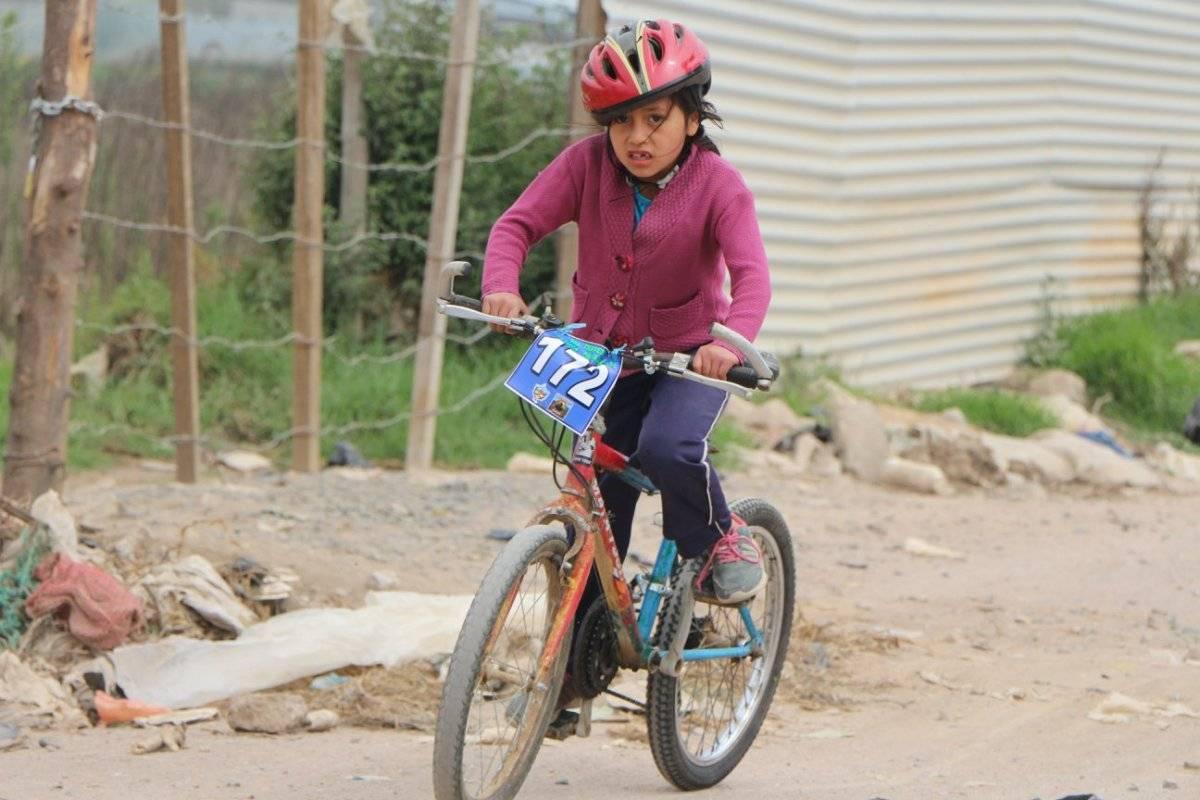 Las niñas también fueron parte de la fiesta del pedal.
