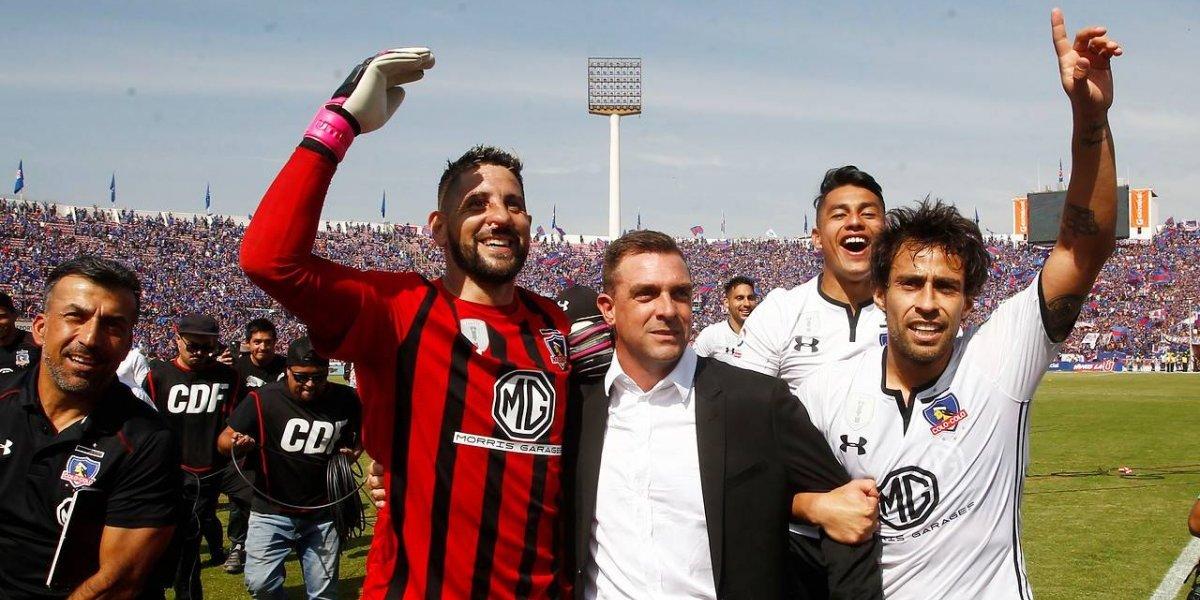 Abrazo de Valdivia y Orión para Pablo Guede: El unido festejo de Colo Colo en el Superclásico