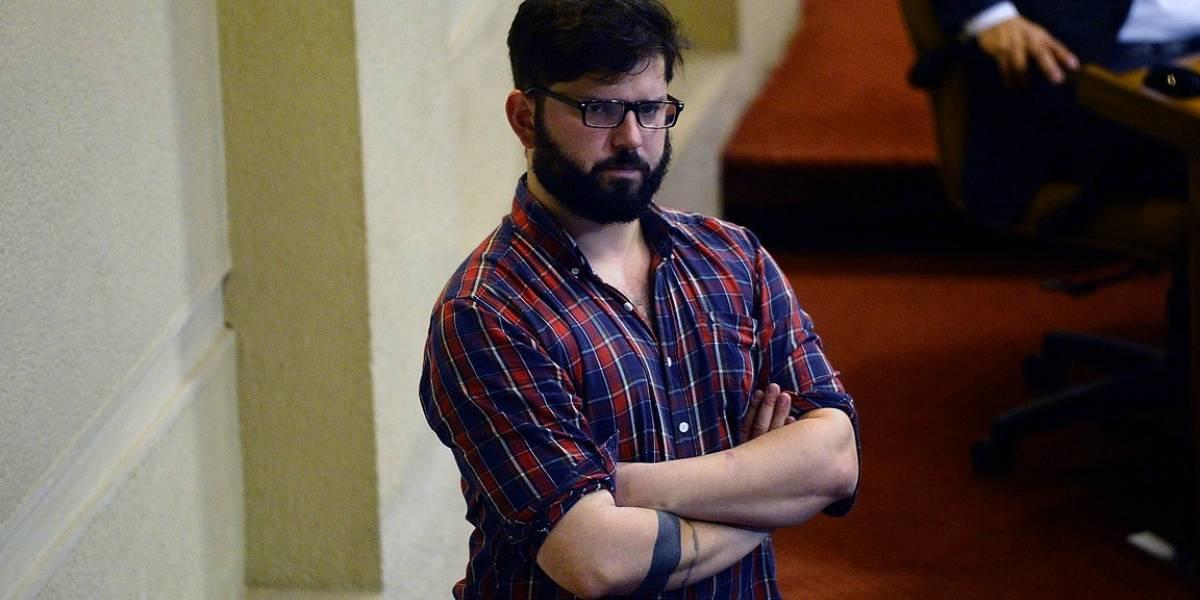 """Gabriel Boric: """"El gobierno se ha enredado en sus propios errores"""""""