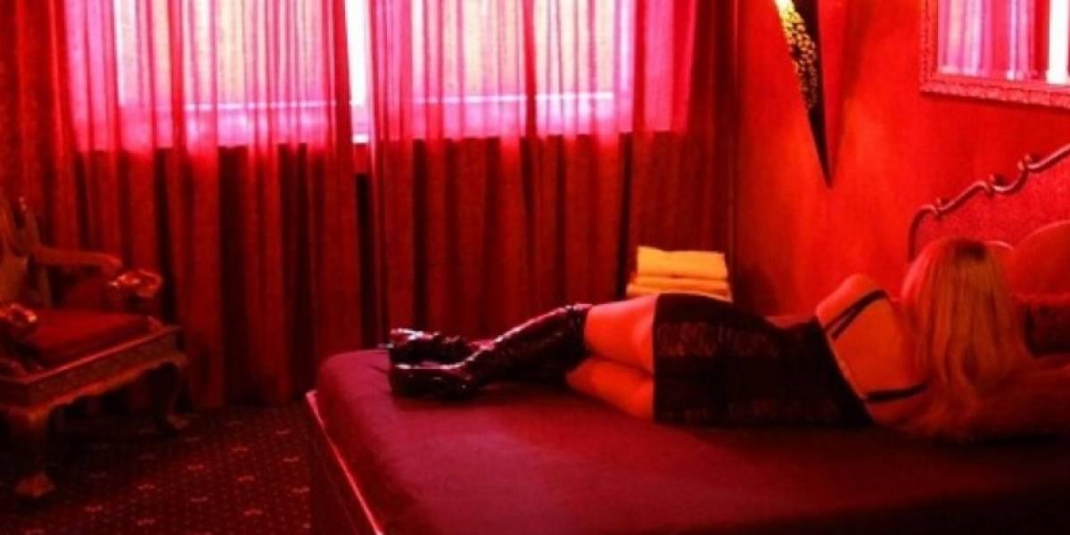 Descubrió que su esposo contrató por años a una prostituta y ahora le cobra cada vez que tienen relaciones sexuales