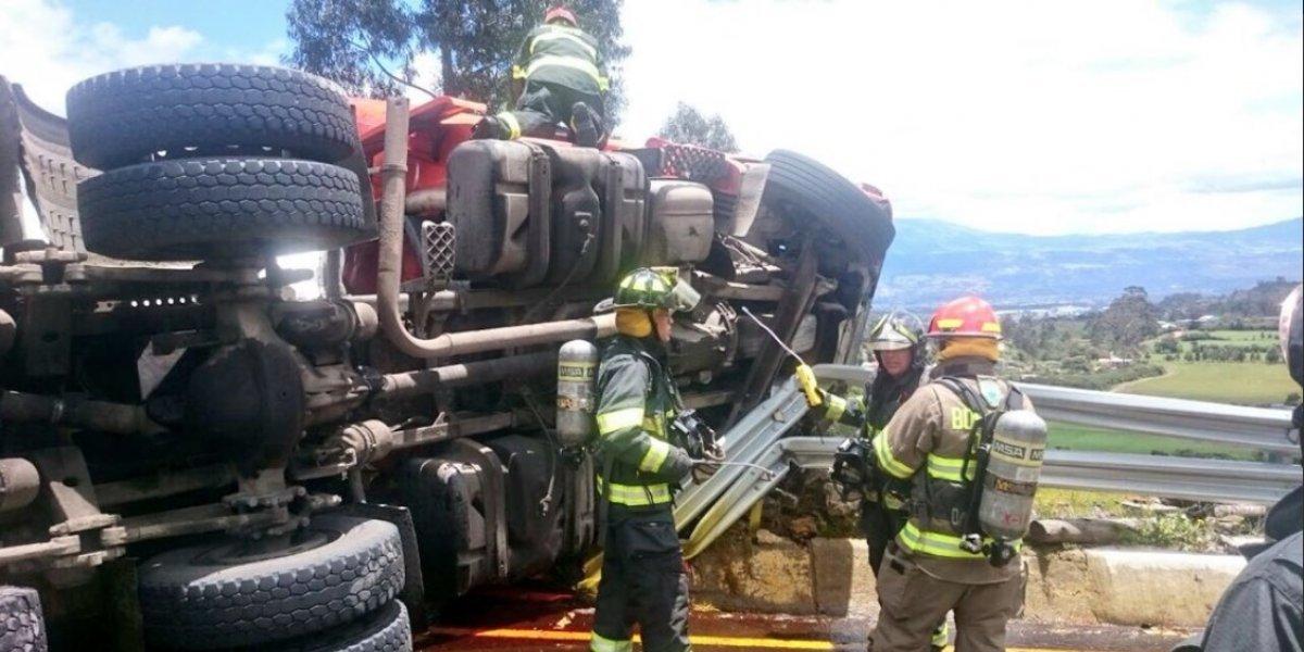 Se registra una persona fallecida en accidente de tránsito vía Pifo