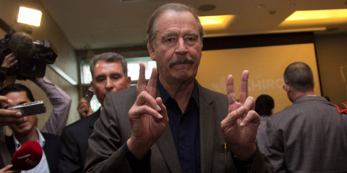 (Video) Mujer encara a Vicente Fox durante vuelo