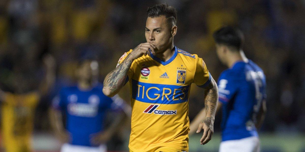Eduardo Vargas regresa a los goles en empate de Tigres ante un chileno Cruz Azul