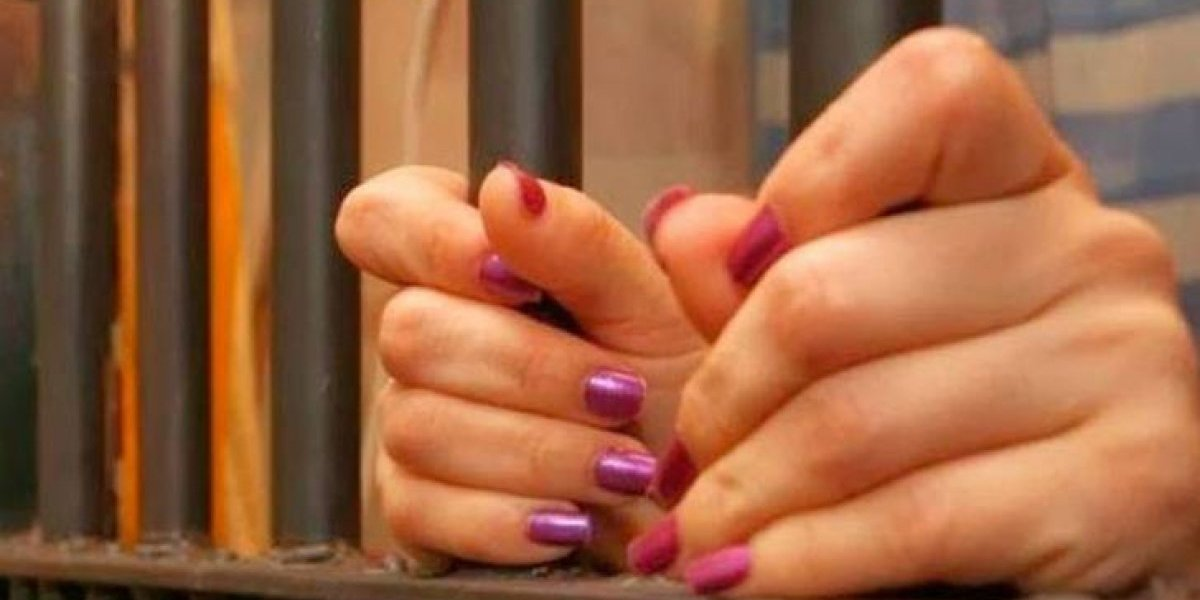 Dictan 3 meses de coerción contra mujer que mató a otra de puñalada